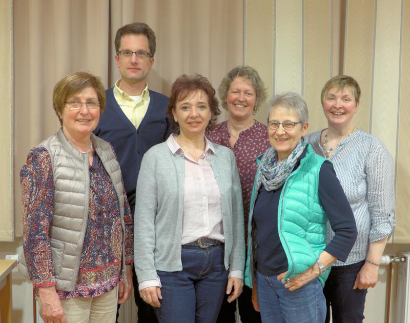 v.links: Marianne Kluge, Präses Vikar Dr.Tobias Schulte, Annette Zelininski, Conny Bauer, Dini Wördehoff, Lydia Funke